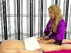 Los aceites masseuse lésbicas para arriba