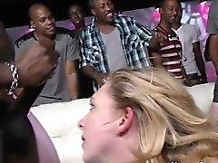 borracho grupo inter-racial