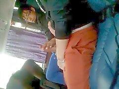 2 horny guys Lo en los el autobús
