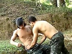 Kuumia Latinoa sotilaskomitean satulaa Sex