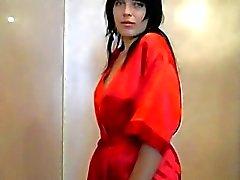 Señora en rojo se la quita por ti