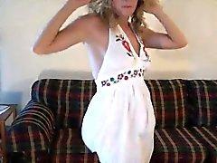 Cleotilde de 1fuckdatecom - Amy Shakin culo y tetas