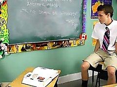 Гидромассажная Gay сцену Дастин Ревес и Льва Page содержит 2 школьники ST