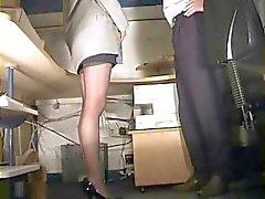Segretario del in calze di sculacciate