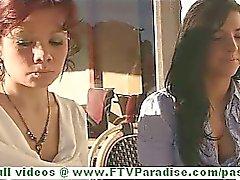 Rita а Madeline горячего брюнетку лесбиянская общественный проблесковые сиськи