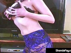 Kiimainen kuuma Cougar grand Fay Laittaa pään kukko hänen kusipää