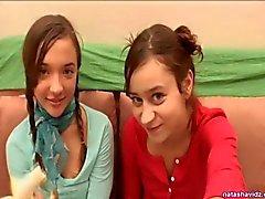 Lesbische tieners Natasha en Mary