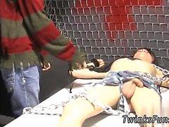 Enorm eregerat svart kuk bildgalleri Homosexuell först gången Roxy Röda aktiveras