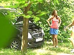 Kytkösmarkkinoilla Girlfriend liimautua Woods