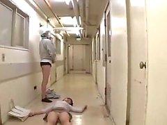 Inconscientes oficina de señora unos golpecitos follada por 2 Limpieza en el suelo al El Corredor de