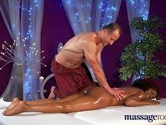 Massage Rooms Jouir de l'orgasme pour fille noire chaude