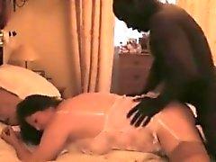 Seksi siyah adam, esmer fahişe kısıtlı vagina öfkeli