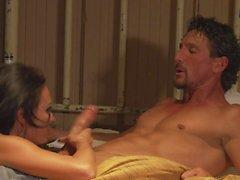 Des mesures de la sexe chaud avec belle la star du porno Alektra Blue