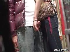 Voyeur atrapa a una pareja tener oral en una tienda de sexo