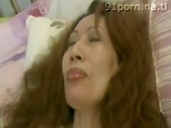 Chinese mature slut & q uot_Peach Flower&quot_ eat banana during sex