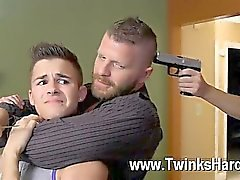 Orgía gay a Andy Taylor, de Ryker Madison, y la de Ian de Levine fueron 3 diminuta