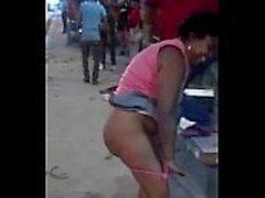 Pareja puta en público en las calles kiambu