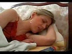 русский мальчишка вынуждено мама ебать и глотать сперму