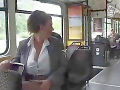 Женщины на автобус накачка молоке