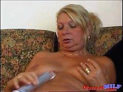 la nonna cicciottello succhiare grande cazzo