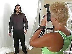 Horny Milf quiere chupar modelos Big Cock