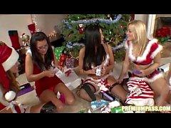 Audrey Bitoni - Lahjakortti Pörssi joulukuusi !