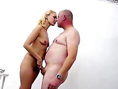 Amatör allt avsugning från blonda europeisk prostituerad