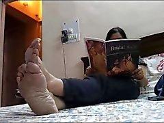 Füße der reifen indischen GÖTTIN 2