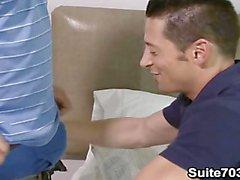 Ари Сильвио а Распорка Ручьи должны гомосексуальные отношения