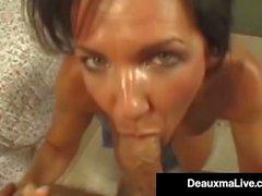 Tejas Cougar Deauxma consigue su apretado Culo follar por polla dura!