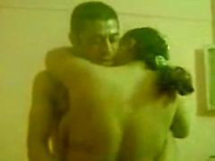 3some amatoriale arabo Egyptian con suocera Chavi