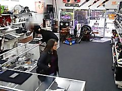 Amateurs trying to steal at the pawnshop