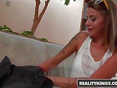 RealityKings - Mike en Brasil - Karolyne Vibe Tony Tigrao -