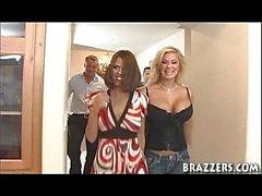 Les vraies femmes Shy Love & Shyla Stylez Story