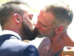 Sexo anal homosexual gay y corrida