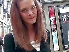 Strakke Tsjechische meisje Kelly zon betaald voor seks