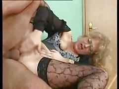 Sexy du MILF allemande se voie anale baisé