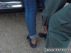 Gianna Michaels polis brunett får dras skottet till ett hål s