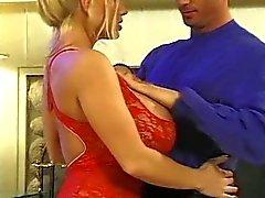 Hoer met grote borsten krijgt Cunted