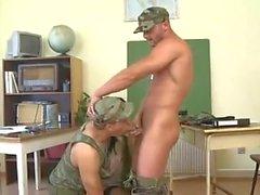 BI- Military julkaisun ANal tytön Rambo