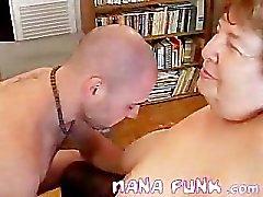 Nana Funk kutje likte en zuigen pik