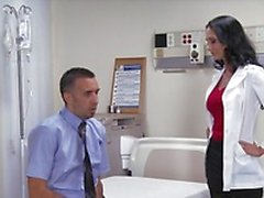 Big spagnoletta brunetta slut medico di Ava di Addams gite cazzo paziente