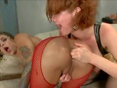lesbian squirt anal, fisting