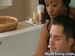 D'Afro Hottie Penetrated Pour fesses dans la chatte