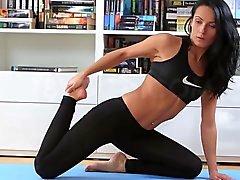 A Lexi de Doña en el culo follan Luego del entrenamiento de la yoga