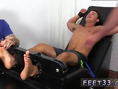 gay Guys grands pieds Matthew Tickled Pour Insanity