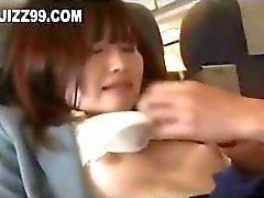 schattige tiener mond gesnoerd te geek op vliegtuig