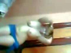 Sexig arabisk MILF stora bröst skakar