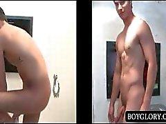 Gloryhole anale seks met naakte man