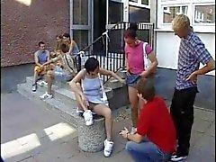 Duitse tieners leren neuken op school deel 1